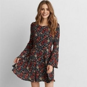 American Eagle bell sleeve mini dress